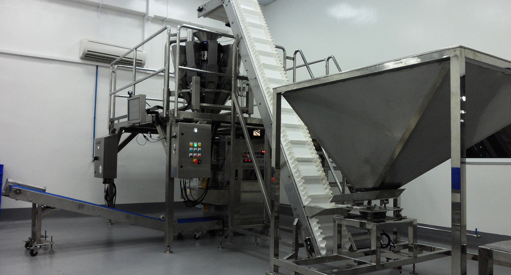 Solid Product Packaging Machine